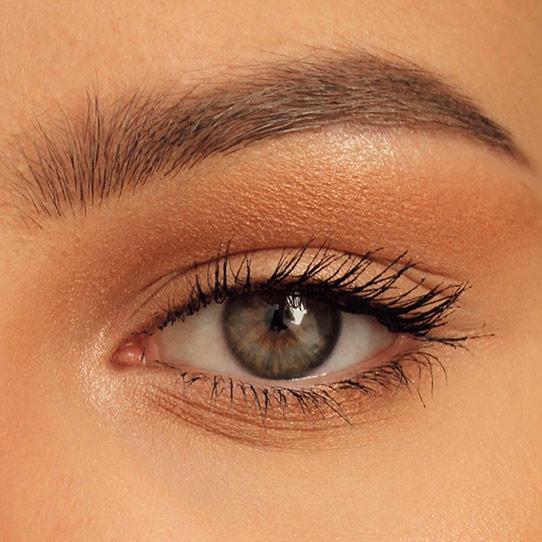 vakre øyenbryn